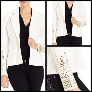 New bebe white stretchy blazer❤️