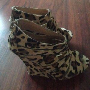 Shoes - Cheetah wedges