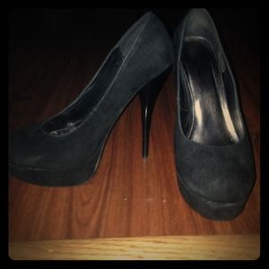 Shoes - Black suede pumps