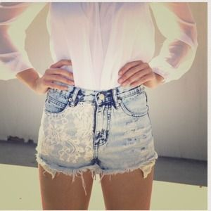 Sabo Skirt Lace Denim Sophia Shorts (sz L)