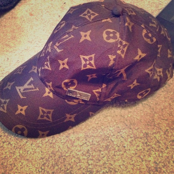 Accessories - Louis Vuitton baseball cap hat d9b7dee6db7