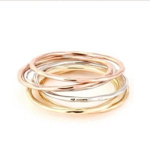 7 Stacking Rings Size 6 ✨
