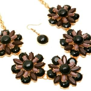 Jewelry - BLACK & BROWN FLOWER NECKLACE SET