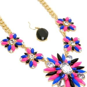 Jewelry - BEAUTIFUL MULTICOLOR WITH CRYSTAL NECKLACE SET