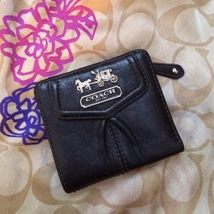Authentic Coach Madison Small Leather Wallet