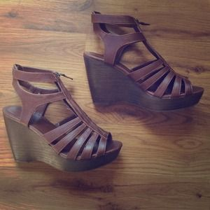 Xhiliration Strappy Wedges with Zipper