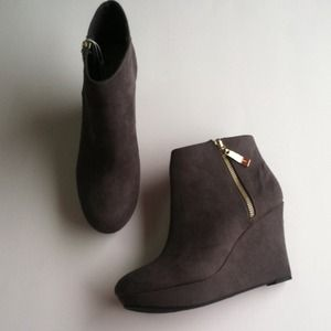 Christian Siriano Gray Wedge Booties