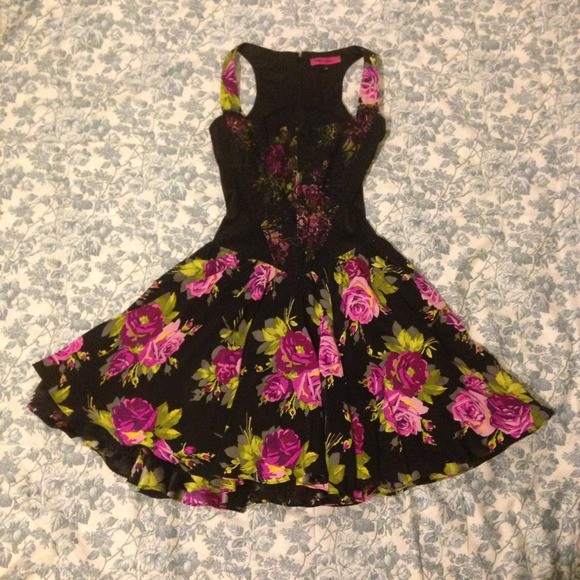 a45aeb88c4 Betsey Johnson Dresses   Skirts - PRICE DROP! Betsey Johnson corset tulle  floral