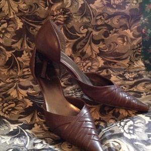 Shoes - Brown D'Orsay Pumps