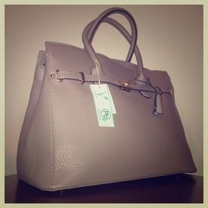 Handbags - 🆕💎Taupe Celebrity handbag 🆕💎
