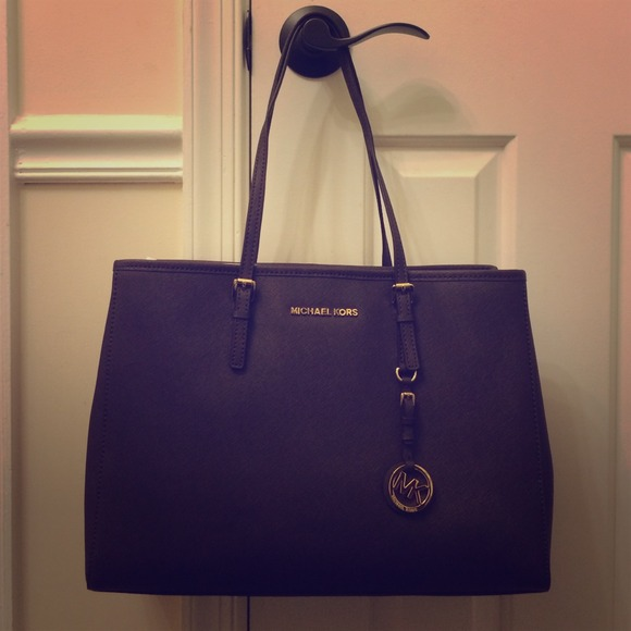 74cabe992c7f Michael Kors Bags | Large Eastwest Jet Set Travel Tote | Poshmark