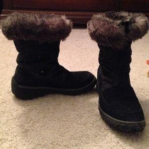 d228d51c98f []REDUCED[]Black Cougar winter boots - waterproof!