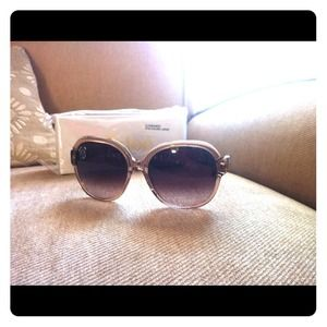 100% authentic Chloe designer sunglasses NWT!