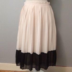 Forever 21 Skirt - Size Small