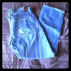 Abercrombie & Fitch Distressed Capris