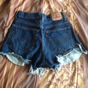 Levi's Jeans - DIY demin cut off shorts