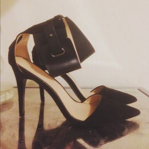 Zara ankle strap pumps