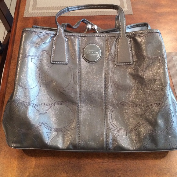 Used Michael Kors Handbags >> Coach - 🎉👇SALE👇🎉Coach leather bag. Pewter color. FAB from ...