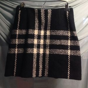 Cute Burberry wool bland skirt