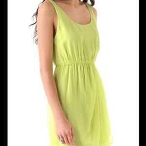 78a89557cb Alice + Olivia Dresses - Alice + Olivia Meghan Dress Size XS