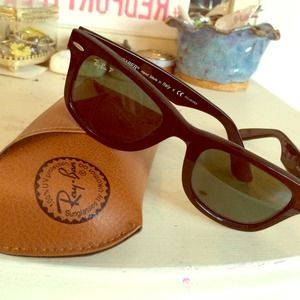 Ray-Ban Accessories - Authentic Black Ray Bans, w/ case
