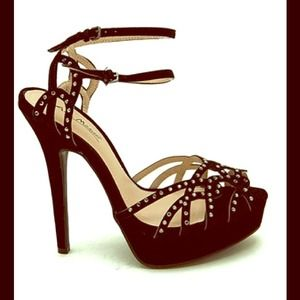 ⬇️REDUCED Black Strappy Embellished Platform Heels
