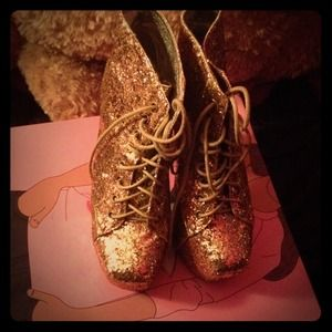 Jeffrey Campbell Lita platform in gold glitter