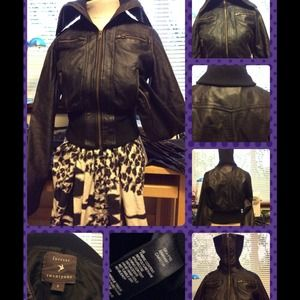 FOREVER 21 FAUX LEATHER BOMBER BIKER JACKET BLACK