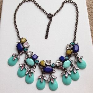 Mint, NAVY Olive green shell & crystals necklace