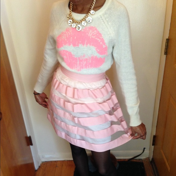 Forever 21 Sweaters - Polar bear and Lip Stain Sweater S/Yonce skirt sm