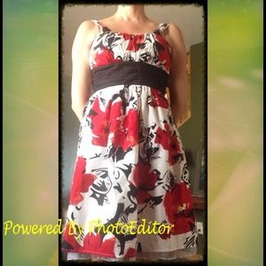 Snap Dresses & Skirts - 💫GORGEOUS Poppy Print Sun dress NEW Sz 5💫