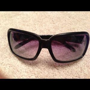 Brand new women's sunglasses