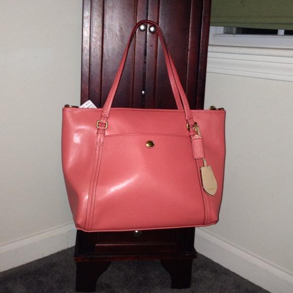 1b16ff8e140f Authentic coach coral Peyton leather tote F25667