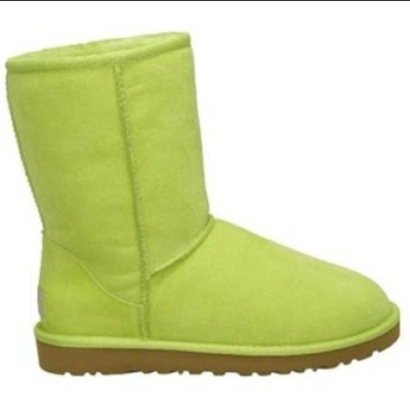 LIME GREEN UGGS, SALE !!