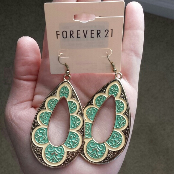 25 off forever 21 jewelry forever 21 earrings 3 from for Forever 21 jewelry earrings
