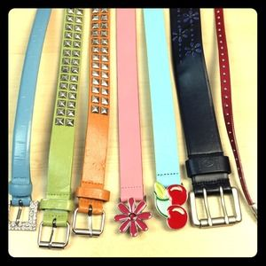 Accessories - ⚡PRICED TO CLEAR⚡Bundle of 7 belts ranging in size