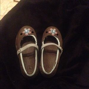 Other - Girls (toddler) Authentic Crocs size 10