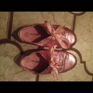 Other - Toddler girls size 10 cute pink ribbon shoes