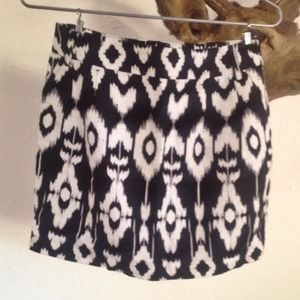 Forever 21 Black and White Ikat Printed Mini Skirt