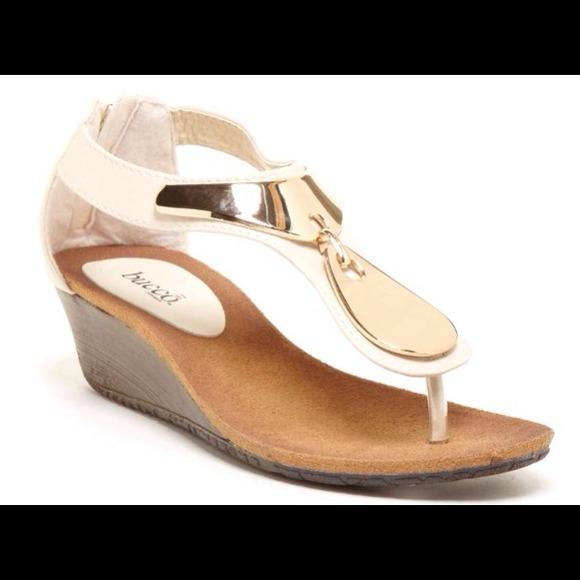 4241941970a Bucco demure low wedge sandal size 7-8.5 NIB CUTE