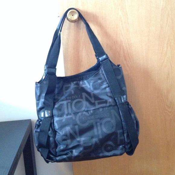 kenneth cole sold kenneth cole diaper bag from rebeca 39 s closet on poshmark. Black Bedroom Furniture Sets. Home Design Ideas