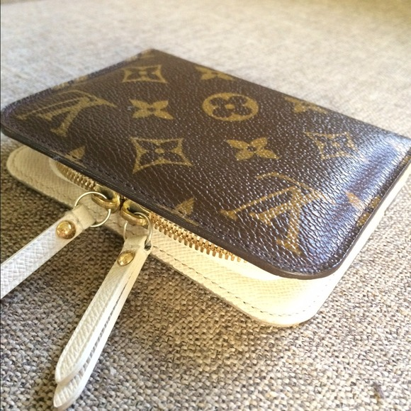 a0ff5a1ff6b19 Louis Vuitton Clutches   Wallets - Louis Vuitton Mini Insolite Wallet Coin  Purse