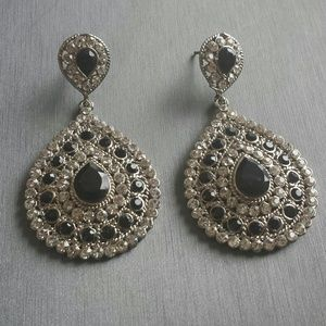 Jewelry - Gorgeous Teardrop Chandelier Earrings Bollywood 2