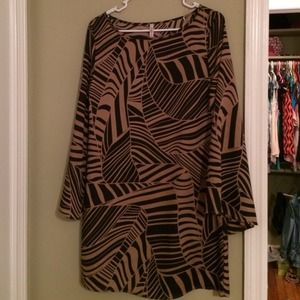 Auditions black and brown dress. Size small.