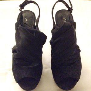 NEW* ALDO wrap platform heels