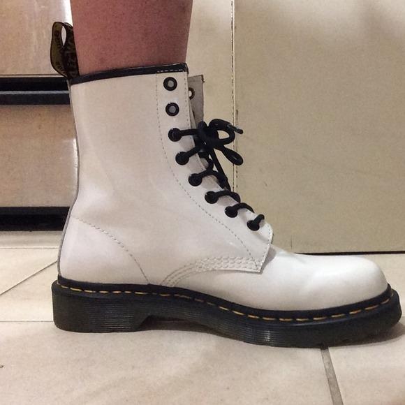 25 off dr martens boots white dr martens airwair boots. Black Bedroom Furniture Sets. Home Design Ideas