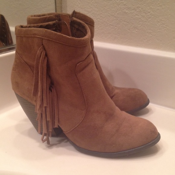 29% off Sam Edelman Boots - SOLD!! ❎❎tan Mossimo Fringe Boots ...