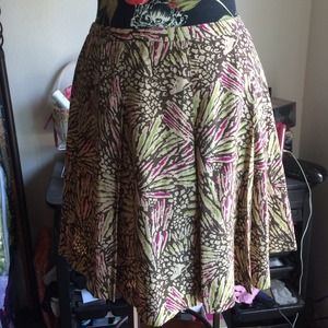 📛Kenneth Cole size 4 silk skirt