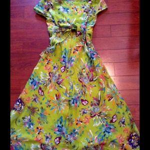 Dresses - Adorable summer dress!