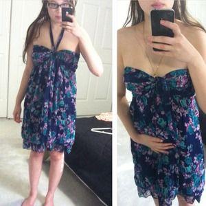 Dresses & Skirts - Chiffon floral dress.